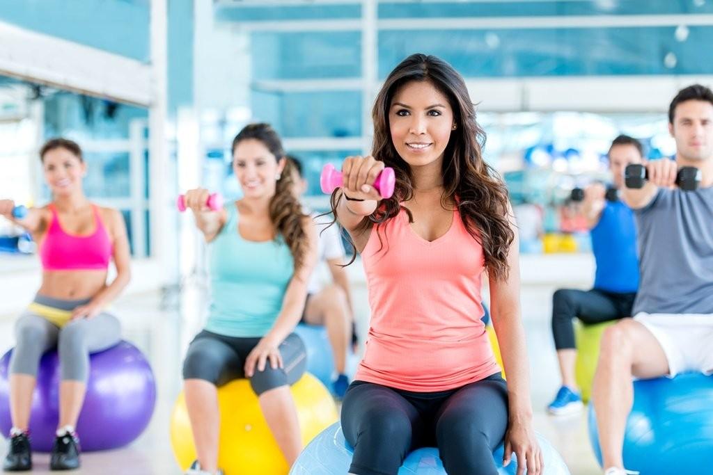 5_Olahraga_di_Gym.jpg