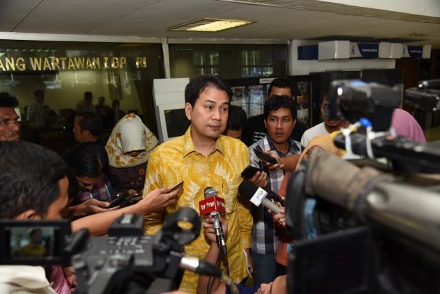 DPR Soroti Rendahnya Realisasi Vaksin untuk Lansia
